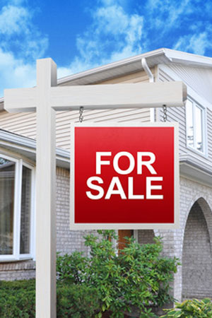 For sale sign in front a house | Greg Oldham Realtor Home Buying Selling Columbia County GA